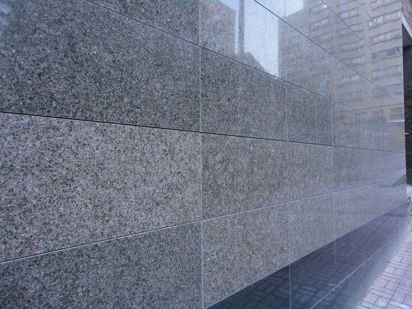Фасад из полированного керамогранита
