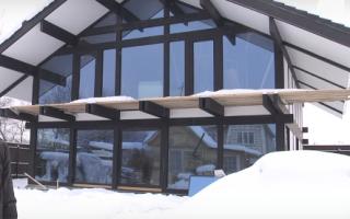 Дома стеклянные: современные решения для фасадов зданий