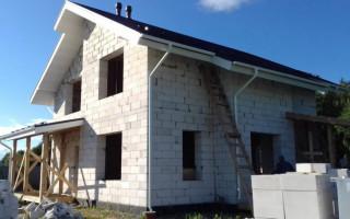 Особенности строительства дома из пеноблока