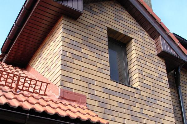 Фасадный клинкер на коттедже