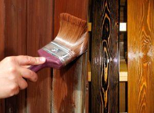Покрыть деревянный фасад антисептическими