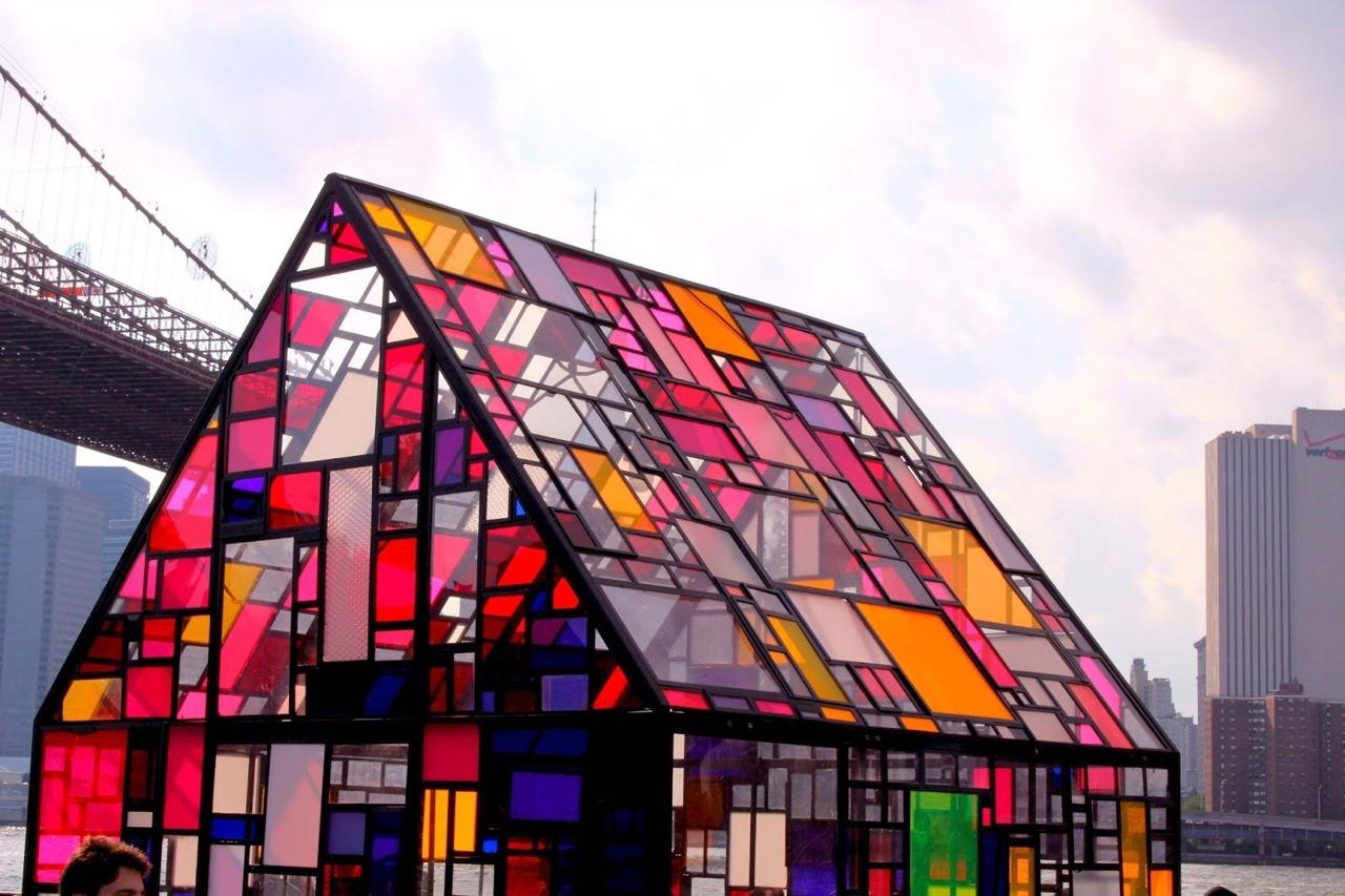 Что такое фасадный витраж. Мировой опыт использования