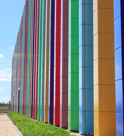 Фото фасада из нержавеющей стали