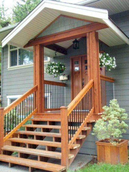 Деревянное крыльцо к дому - фото