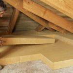 Чем лучше утеплить крышу в частном доме